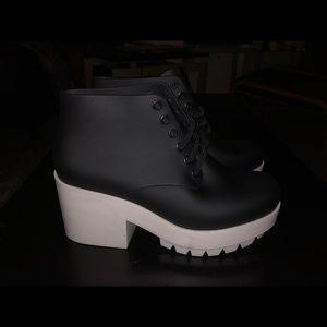 Melissa Stellar boots